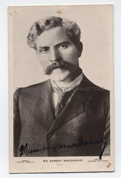 JAMES RAMSAY MACDONALD (1866-1937) Photograph Signed