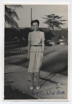 WALLIS SIMPSON DUCHESS OF WINDSOR (1896-1986) Photograph Signed